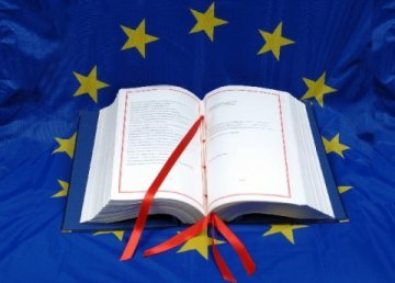 European Citizens' Initiative: Let's really open the door!