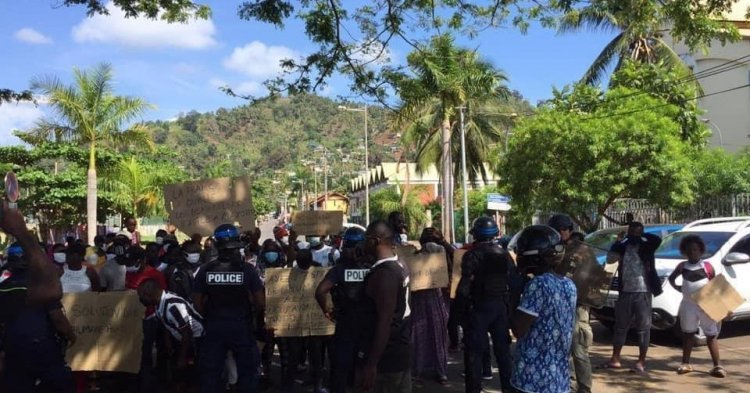 Claiming their rights: Mayotte's asylum seekers demonstrate in the streets - Accounts from the demonstrations