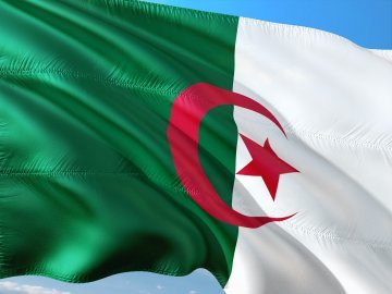 Europe and the Revolution of Smiles : Reassessing EU-Algeria Relations