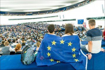 Creating a European space of debate: Europeanising the European elections