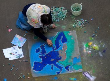 The European Citizens'Initiative : from a long claim to a wonderful opportunity!